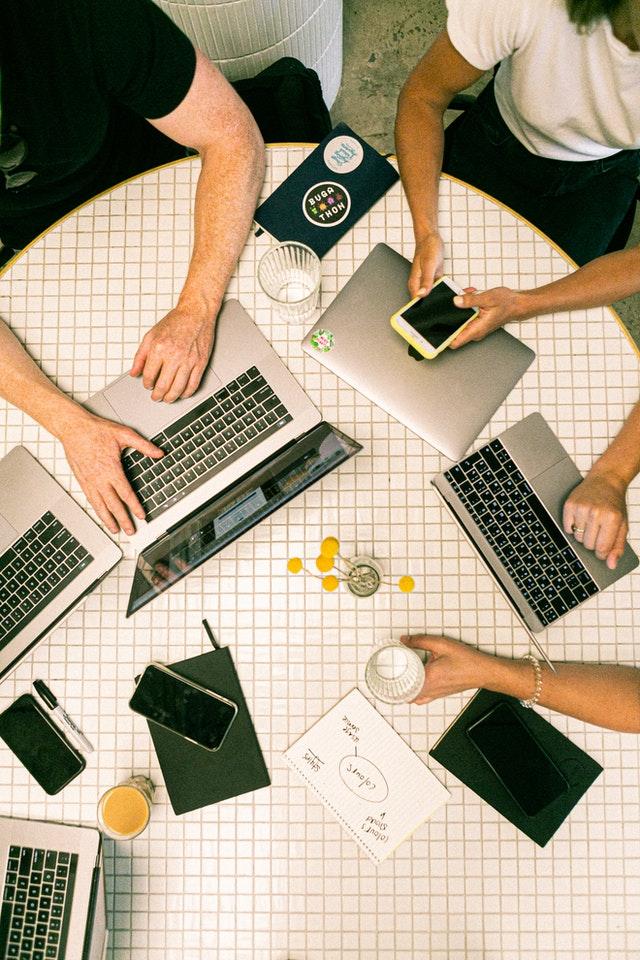 ZZP-, freelance- en interim opdrachten; wat is het verschil?